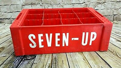 Vintage SEVEN UP 7up Red Hard Plastic 12 Slots 32 oz Carrier Caddy Crate