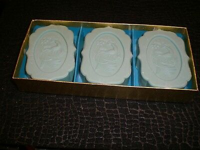 Bird of Paradise by Avon 3 Perfumed soaps in Gift Box