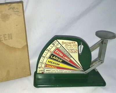 1940s Vintage Brower MFG. CO. EGG SCALES Green, Very Good condition With box!!