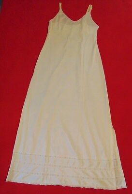 SEARS – The Doesn't Slip - IVORY CREME Full Slip - SIZE 34 – 43 inches long