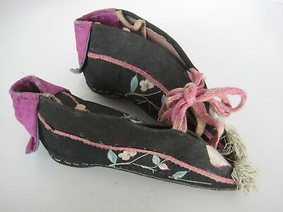 Estate Find - CHINESE EMBROIDERED SILK SHOES BOUND FEET BINDING VINTAGE