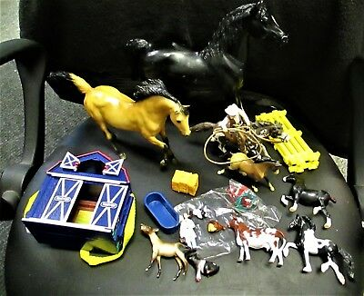Breyer Horse Lot Total 22 Pieces Large Horse,stablemates,barn Yard,fence