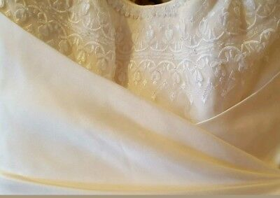 Beautiful designer maggie sottero ivory, cream wedding dress size 8- 10,