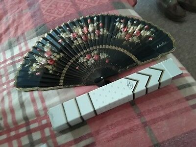 Vintage Giner Hand Held Fan Boxed Collectable Or Perfect For  Hot Summer