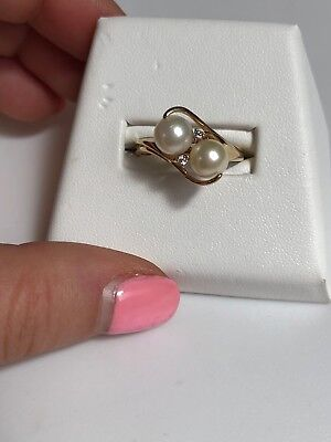 Stunning 3.7g 10K Yellow Gold Double 7mm Pearl & Diamond Ring - Size 9