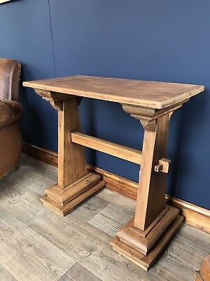Oak Arts And Crafts Occasional Side Table