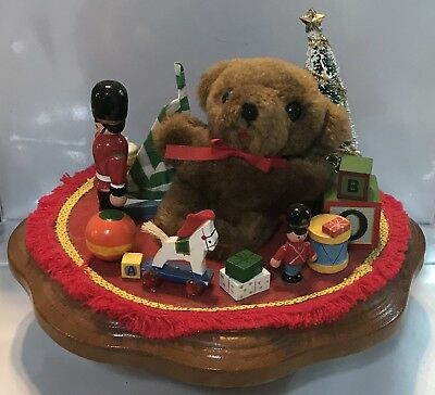 Vintage 1984 Schmid Musical Collectibles Joy To The World Christmas Bear Toys
