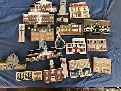 Shelf Sitters Lot of 20 Cats Meow Village Hometown Collectibles Delaware