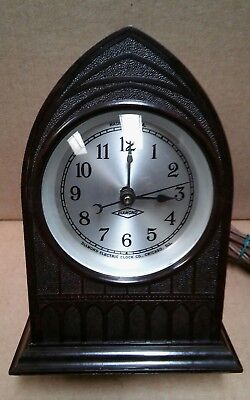 Vintage 1930s Diamond Electric gothic cathedral bakelite mantel clock - serviced
