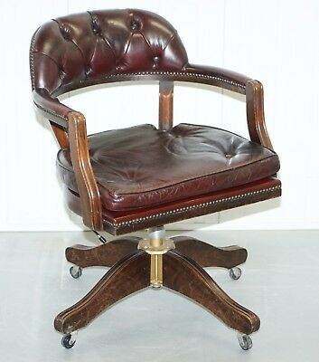 Stunning Cushioned Chesterfield Admirals Court Captains Oxblood Leather Chair