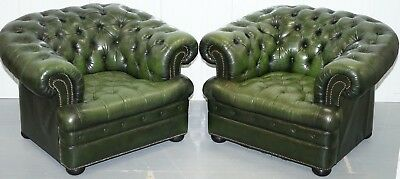 Pair Of Vintage Aged Green Leather Chesterfield Club Armchairs Fully Buttoned
