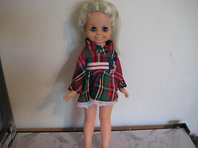 Vintage 1972 Look Around Velvet-Crissy Hair Grow Doll-Working Condition