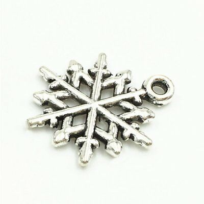 5X(100 pcs Assorted Antique silver Christmas Snowflake Pendant for Crafting M7Q1