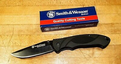 Smith and Wesson Extreme Ops Tactical Folder Knife Linerlock Rubber Handle SWA25