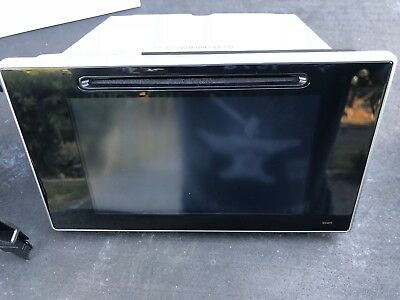 Toyota Hilux Genuine Touch Screen/Multimedia/CD INCLUDING FACIA PANEL