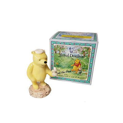 Boxed Collectable Royal Doulton Winnie The Pooh  Candle China Figurine