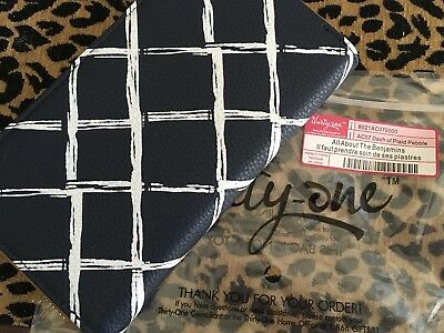 Thirty-One Thirty One 31 Gifts All About the Benjamins Dash Of Plaid Navy Tan
