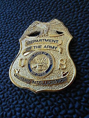US ARMY Military Intelligence    -  FULL SIZE BADGE ONLY !
