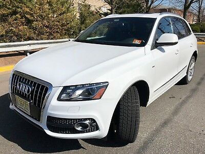 2012 Audi Q5 3.2L 6 Cyl Excellent Condition! Loaded with luxury features!