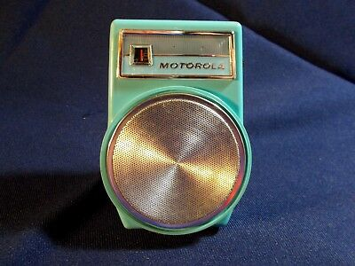 Early 60S Motorola X14B Transistor Radio Looking And Playing Very Good