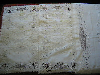 "SET OF 12 ANTIQUE LACE PLACEMATS PLUS 48"" RUNNER  Matching set"