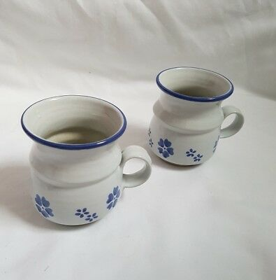 ❀ڿڰۣ❀ MOVILLE Irish STUDIO POTTERY Set of 2 BLUE SHAMROCK Flower MUGS ❀ڿڰۣ❀ New