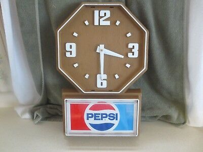 Impact Int'l Plastic Battery Operated Pepsi Advertising Wall Clock - Working