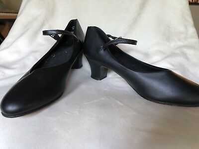 """Capezio Character Shoe Black #550 Size 7N 1.5""""Heel Never worn except to try on"""
