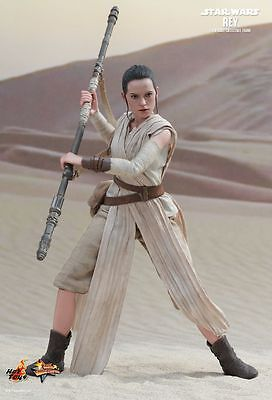 STAR WARS: The Force Awakens - Rey 1/6th Scale Action Figure MMS336 (Hot Toys)