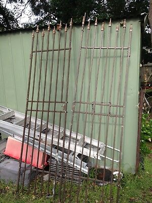 Metal Security gate x 2 pieces / centre opening