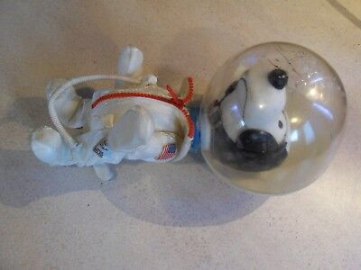 """Vintage 1969 Snoopy Astronaut NASA Flight Safety 7"""" Doll  Peanuts United Feature"""
