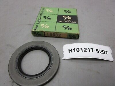 CR Oil Seal 29872 CRWHA1 Double Lip Spring 3.0000 Shaft 3.7510 OD 0.4375W New OS