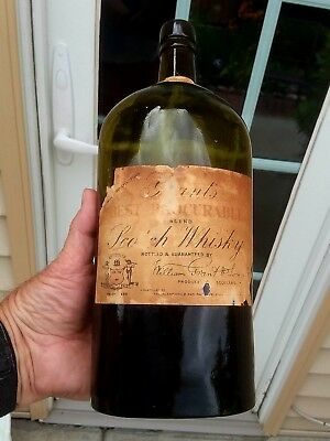 Applied Top Yellow Olive Green Grant's Scotch Whiskey Label Cork Huge Bottle!