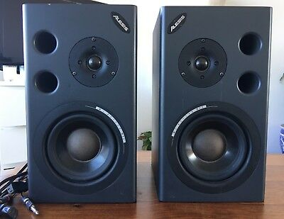 Alesis M1 Active MK2 Monitor Reference speakers - USED - One has a blown fuse