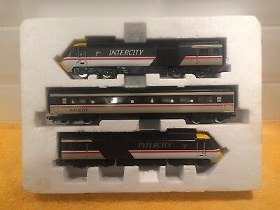 Hornby R.336 HO model Inter City train pack.
