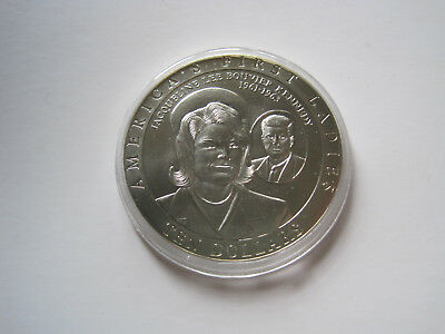 Liberia 2002, Ten Dollars Americas First Ladies   #1457