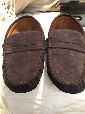 mens moccasin slippers size 9