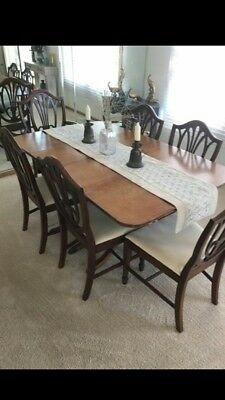 Duncan Phyfe style dining room table * w/6 chairs * n.w. Indiana * pick up only