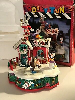 """vintage1996 LOONEY TUNES """"UP ON THE ROOF TOP"""" ANIMATED light up Musical NICE!"""