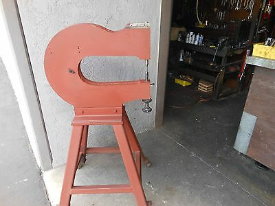 RIVET SQUEEZER Chicago Pneumatic CP-450 YOKE ON PORTABLE STAND