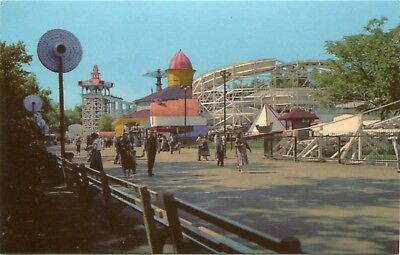 (#710) Flying Turns Riverview Amusement Park Chicago Illinois 1950s Postcard