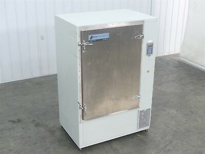 Parameter Generation & Control 9131-3110 Environmental Chamber 30CU Ft ( G2397)