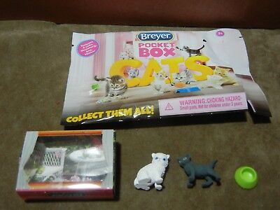Breyer Pocket Box Cats White Persian and Black Kitten