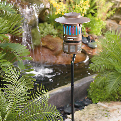Dynatrap DT1250 Insect Trap With Pole Mount