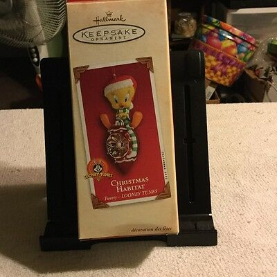 "Hallmark Keepsake  ""Christmas Habitat Tweety"" Looney Tunes Ornament"