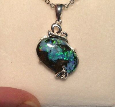 AUSTRALIAN NATURAL Boulder Opal Queensland. NECKLACE. Australia