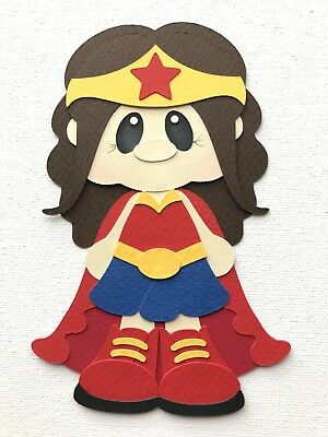Fully assembled Wonder Woman inspired paper piecing / die cut