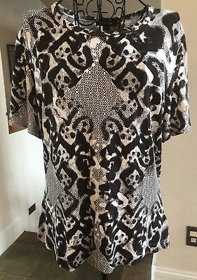 786a547242 St. John Knit Short Sleeve Rayon Blend Shirt Womens Print Top Size Large