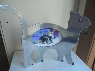 Metal Cat Shaped Picture Frame Heart Home Curved Body To Stand Alone