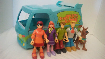 Scooby Doo Mystery Machine Van Lot Playset and All 5 PVC Figures
